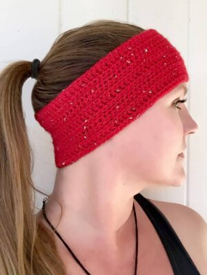 Side view of sparkle motion headband crochet pattern by startdust gold crochet