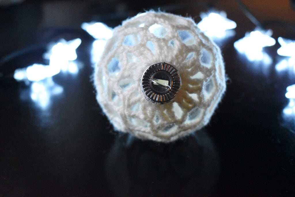 Starlight-Crochet-Christmas-Ornament (3)