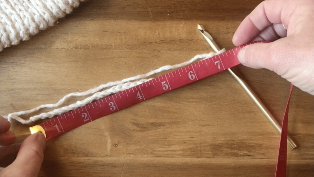 how-to-crochet-mittens-measuring-your-crochet-chaine