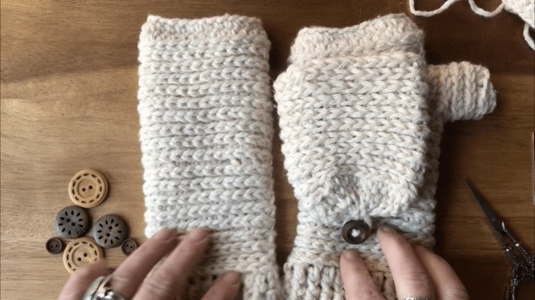 how-to-crochet-a-mitten-tutorial-different-types-of-crochet-mittens