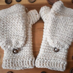 Tabby-Star-Crochet-Mittens-Front-View-3